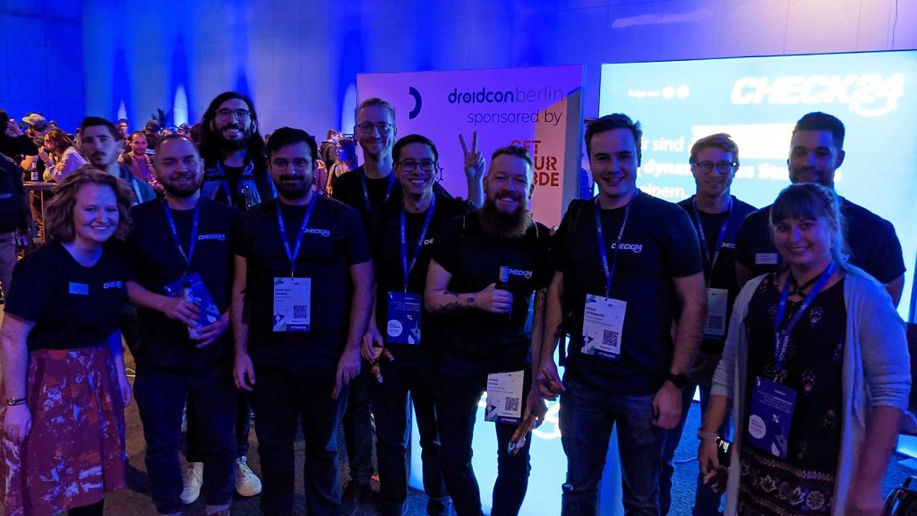 check24-team-at-droidcon-berlin-2021-booth.jpg